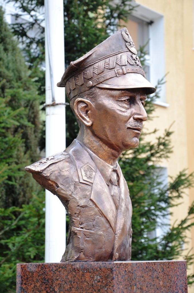 Generał Władysław Sikorski autor Tomasz Jędrzejewski3