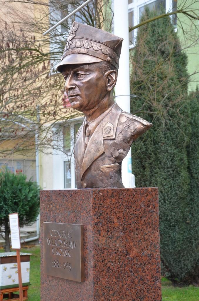 Generał Władysław Sikorski autor Tomasz Jędrzejewski8